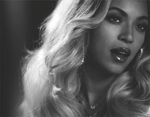 Beyonce – Un album omonimo dai numeri stellari!